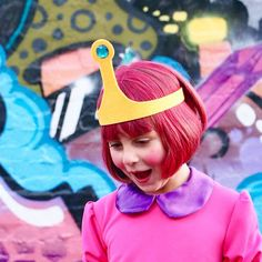 Make a Princess Bubblegum crown (from Adventure Time) in just a few minutes for your next Halloween or Cosplay Costume.