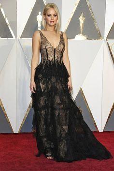 Oscars 2016 Jennifer Lawrence in Dior 0188c7ce9d4