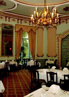 Exquisite romantic Louis XIV dining room