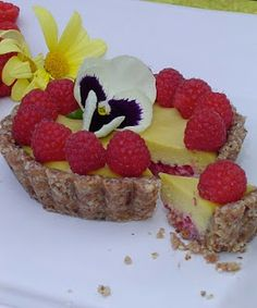 Mango Raspberry Tart recipe, raw vegan