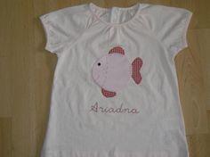 camiseta con dibujo de pececito y nombre en pintura  camiseta de algodón,telas cosido a mano