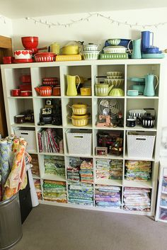 Sewing Room Refresh Balcony – home accessories Organize Fabric, Sewing Rooms, Quilting Tutorials, Free Sewing, Decoration, Home Accessories, Living Spaces, Storage, Enamel Ware