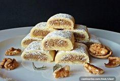 Scone, thick cream and raspberry compote - HQ Recipes Czech Recipes, Nut Recipes, Cake Recipes, Cooking Recipes, Croatian Cuisine, Croatian Recipes, Kolachi Recipe, Banana Mousse, Torte Recipe