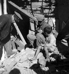 Βούλα Θ. Παπαϊωάννου, Φεβρουάριος 1941, βομβαρδισμός του Πειραιά