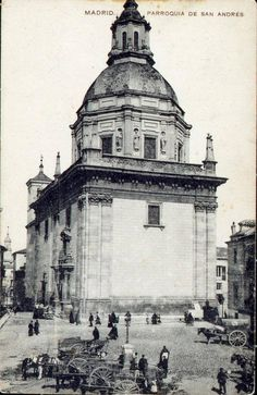 Foto de 1910 de cuando la Plaza de los Carros, en La Latina, hacía honor a su…
