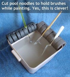 Gettin' Our Skinny On!: DIY Paint Brush Holder!!