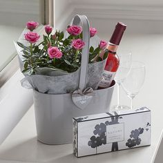 Ros Wine Plant Gift Love the mini roses that can be planted and enjoyed long after long stems would have died Valentines Day Party, Valentine Gifts, Valentine Gift Baskets, Wine Gift Baskets, Mini Roses, Gift Hampers, Wine Gifts, Thank You Gifts, Hostess Gifts
