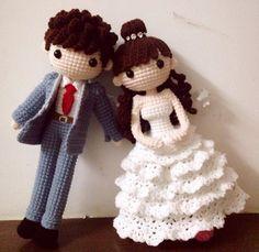 Amigurumi bride and groom wedding dolls. (Inspiration).