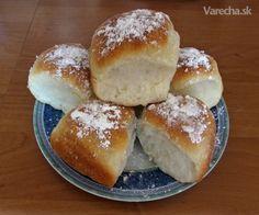 Buchty jemnučké, mäkučké ako vatička. Len treba vyskúšať. Eastern European Recipes, Hamburger, Cooking Recipes, Sweets, Bread, Food, Hampers, Cookies, Bakken