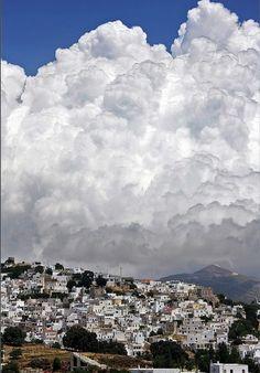 "Flying high par Sotiris Papadimas, prise le 12 Juillet 2009 à Naxos island, Grèce. 7,1x10,7""    Canon EOS 40D Tamron 18-250 65mm/ƒ/9/1/200s/ISO 160"