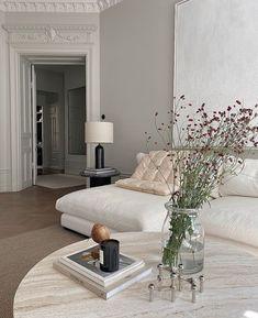 Luxury Homes Interior, Home Interior Design, Interior Architecture, Interior Livingroom, Sala Vintage, Living Room Decor, Living Spaces, Bedroom Decor, Dream Apartment