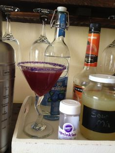 Delightfully Delicious Huckleberry Martini Let's make these Saturday! @Abigail Welch