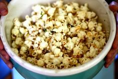 ben and birdy: Dill Pickle Popcorn