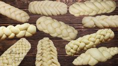 10 ways to weave bread or rolls. Braided Bread, Bread Bun, Bread Plait, Bread And Pastries, Croissant Recipe, Bread Shaping, Baking Basics, Best Bread Recipe, Savoury Baking