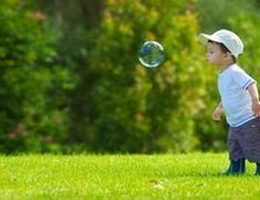 Alle Kinder lieben die bunt schillernden Seifenblasen. Gerade in den warmen Frühlings- und Sommermonaten sind Seifenblasen nicht nur auf...
