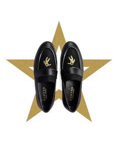 This Christmas the world is mine! #eurekashoes #shoes #handmadeshoes #madeinportugal #fashionisfun #lights #christmasiscoming #christmas #magic #theworldismine