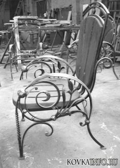Кованые стулья Iron Furniture, Rattan Furniture, Steel Furniture, Metal Tools, Metal Art, Rocker Recliner Chair, Hanging Egg Chair, Cane Back Chairs, Wrought Iron Chairs