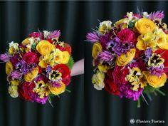 お色直しのドレスに合わせたウェディングブーケ。蜷川実花さんのドレスの模様の色に合...