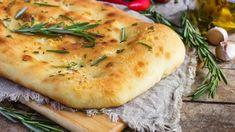 Η Καθαρά Δευτέρα φτάνει και εμείς προετοιμαζόμαστε για το παραδοσιακό τραπέζι. | TASTE | BOVARY | λαγανα, ΦΟΚΑΤΣΙΑ, Συνταγή, ΚΑΘΑΡΑ ΔΕΥΤΕΡΑ, Κούλουμα Italian Bakery, Italian Bread, Focaccia Bread Recipe, Bread Recipes, Rose Bakery, Simply Yummy, Rosemary Focaccia, Olives, Meal Planner