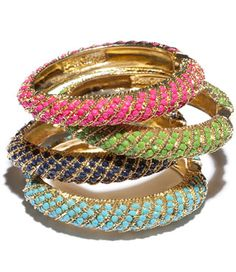 Layers of lilly bangles for the bridesmaids #LillyPulitzer #SouthernWeddings