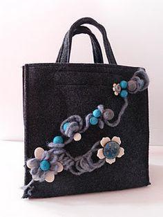 Vilten tas maar dan net even anders  Kijk voor vilt eens op http://www.bijviltenzo.nl/