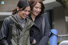 The actresses playing Supergirl's lesbian couple have opened up about their ground-breaking relationship. Chyler Leigh and Floriana Lima were speaking as Alex And Maggie Supergirl, Supergirl Alex, Supergirl Season, Supergirl 2015, Chyler Leigh Supergirl, Stockholm, Supergirl Outfit, Floriana Lima, Maggie Sawyer