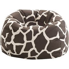 Saving this for a character design. Good base for Amanda. Giraffes are her favorite kind of animal. Giraffe Bedroom, Giraffe Decor, Cute Giraffe, Giraffe Print, Girls Bedroom, Bedroom Ideas, Giraffe Pattern, College Living Rooms, My Living Room