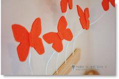 make love2 ♥ http://felting.craftgossip.com/2013/04/03/felt-flowered-pillow-cover-felt-3d-butterfly-display-diy/