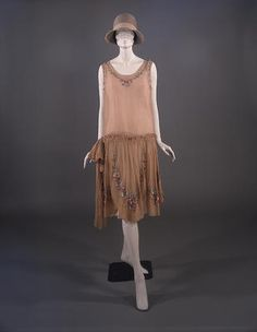 silk crepe day dress c 1927, stocked by Murielle's of Sauchiehall Street