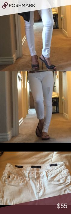 VIGOSS jeans❤ White skinny jeans by VIGOSS slightly distressed NWOT❤ see pics for exact style! These are so very comfortable and machine wash dryer friendly, no shrink! Easy care, stylish wear! I put them with heels, you put them with whatever you'd like! Inseam 32;) Vigoss Jeans Skinny