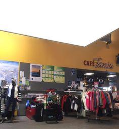 Ninapinta valokatto Levi Brand Store