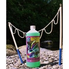 "Christmas Gift Ideas! Dr Zigs Extraordinary Bubbles! The Mini-multi loop starter kit includes 1ltr of ready to use Dr Zigs bubble mix and a mini-multi wand (40cm length) ""I used this to entertain the kids at a community event and it certainly did not disappoint ! Easy to use and totally enthralling results!"" - Amazon Review"