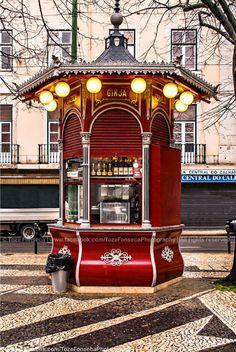 Quiosque do Refresco-Praça de São Paulo, Lisboa By  TozéFonsecaPhotography Places In Portugal, Portugal Travel, Kiosk Design, Signage Design, Design Design, Graphic Design, Places Around The World, Around The Worlds, Parque Linear