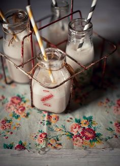 Banana, Strawberry, Ginger and Honey Breakfast Smoothies....wonder if I have all of these i ingredients at the moment?