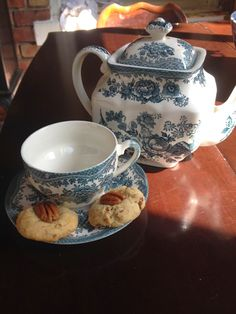 Lines from Linderhof: Tea and A Treat