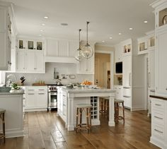traditional-kitchen-white