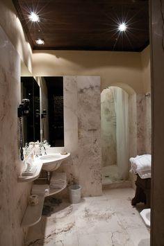 Classic room La Segreta - bathroom with shower