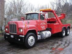 Lock's Garage, Parkton MD - 1982 Mack w/ Challenger 6800 unit Mack Trucks, Tow Truck, Big Trucks, Dump Trucks For Sale, Mack Attack, Towing And Recovery, Garage, Tractors, Evening Sandals