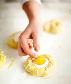 Baked Doughnuts, Sweet Pastries, Easter Recipes, Easter Food, Baked Goods, Nom Nom, Recipies, Deserts, Baking