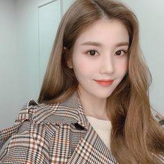 K-Pop Babe Pics – Photos of every single female singer in Korean Pop Music (K-Pop) I Love Girls, Cool Girl, My Girl, Pretty Girls, For All My Life, Japanese Girl Group, Female Singers, Kpop Girls, Girl Power