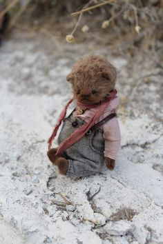 Gunya By Moshkina Elena - Gunya. Teddy bear sewn from viscose, painted by hand, cotton clothing, stained and aged. Height Bears 11 cm. The price for one bear.