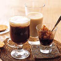 [7] Afsluiter : 'Volle smaak' - Koken met koffie: Irish coffee, Koffiegranita en Mokkamelk - Een lekker speciale koffie voor iedereen met een pure chocolade bonbon.