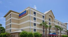 Candlewood Suites Fort Lauderdale Airport-Cruise Fort Lauderdale This all-suite hotel offers fully equipped kitchens in each guest suite. Transfer services to and from Fort Lauderdale Hollywood International Airport and to Port Everglades Cruise Port are available.