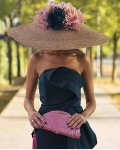 Kentucky Derby Outfit, Kentucky Derby Fashion, Race Day Fashion, Fascinator Hats, Fascinators, Cool Outfits, Fashion Outfits, Fancy Hats, Stylish Hats