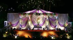 A WEDDING PLANNER: Indian wedding stage decorations and indian wedding mandap decorations Indian Wedding Stage, Indian Reception, Wedding Stage Design, Wedding Designs, Wedding Reception Entrance, Wedding Mandap, Tent Decorations, Wedding Stage Decorations, Flower Decoration For Ganpati