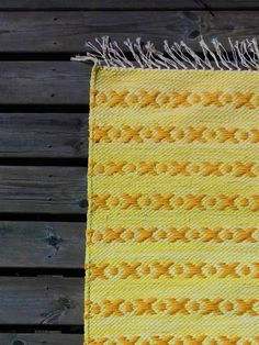 Luovat kädet: artesaani Scandinavian Style, Pattern Design, Recycling, Weaving, Textiles, Crochet, Rag Rugs, Carpet, Ganchillo
