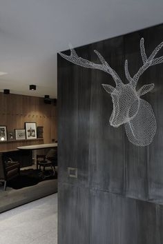 Eden Hotel Design by Antonio Citterio Patricia Viel and Partners - Architecture & Interior Design Ideas and Online Archives Moose Head, Interior And Exterior, Interior Design, Oh Deer, Animal Heads, Deco Design, Wire Art, Living Spaces, Living Room
