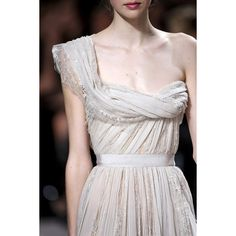 ELIE SAAB ❤ liked on Polyvore featuring photos, pictures, runway, elie saab, detail y embellishment