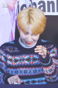 #NCT #RENJUN Huang Renjun, Always Smile, Nct Dream, Christmas Sweaters, Culture, Entertaining, My Love, Technology, House