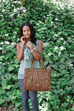 timi and leslie Dawn 7-piece Diaper Bag Set - stylish brown diaper bag tote made of faux leather #stylishdiaperbag